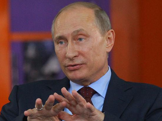 Путин рассказал зарубежным послам о гуманитарной катастрофе на Украине