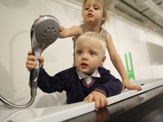 Зачем Минюст запрещает регистрировать детей, рожденных вне больницы?