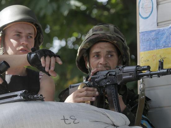 Кремль ответил Киеву и НАТО: на границе с Украиной столько военных, сколько надо, и это не секрет