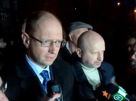 Яценюк и Турчинов затеяли свою игру? Соратники Тимошенко вышли из «Батькивщины»