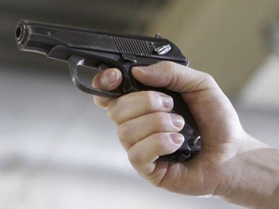 Гаишники вычислили грабителя по пистолету, похищенному у охранника ювелирного салона
