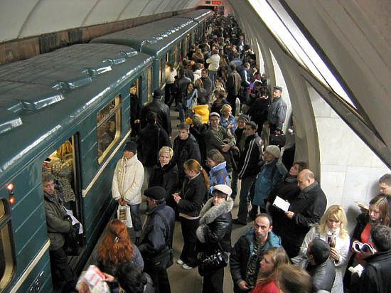 Светофор-обманщик «заморозил» Калужско-Рижскую линию метро