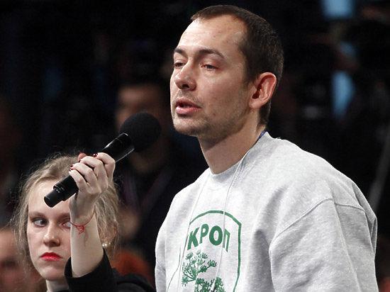 Журналист в майке с надписью «укроп» спросил Путина о «карательной операции России» на Украине