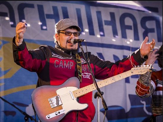 У челябинского рок-музыканта Гарри Ананасова вышел новый альбом