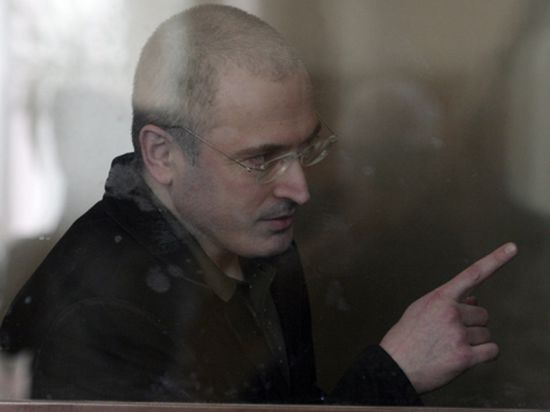 Юристы в ответ на заявления экс-главы ЮКОСа напомнили ему про судимость