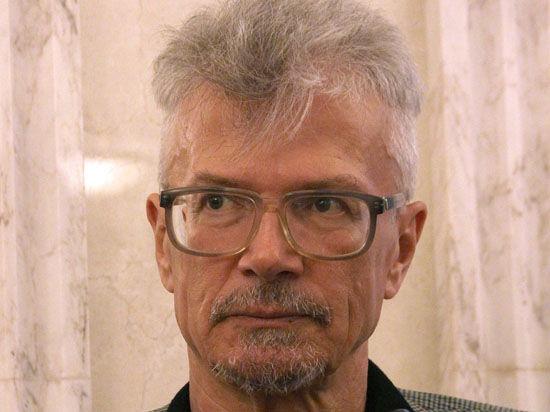 Лимонов открестился от срыва концерта Макаревича, но не осудил его