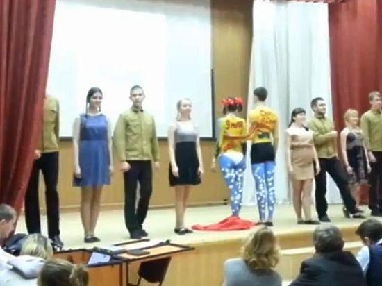 Ижевских студентов не накажут за боди-арт с георгиевскими лентами