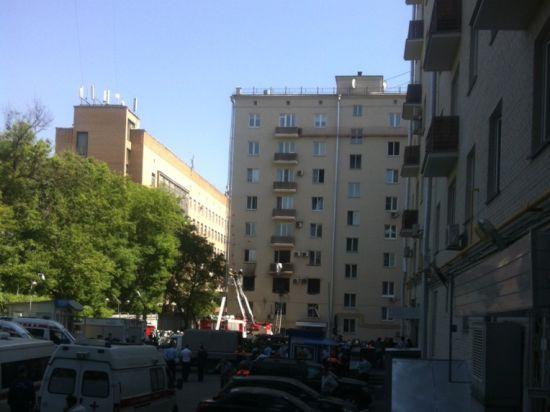 Взрыв в квартире на Кутузовском произошел предположительно сразу после уборки