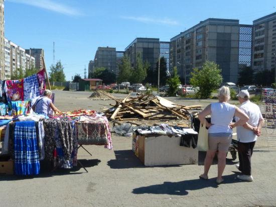 Петрозаводский мини-рынок «Ягуар» доживает последние дни, а «Невский пассаж», похоже,  простоит еще не один месяц