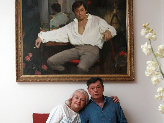 Жена Николая Караченцова Людмила Поргина: «Он смеется. Над собой. И ничего не может быть лучше!»