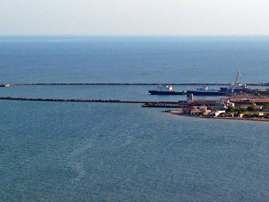 Очередь в Крым - 10 часов, из Крыма - 36
