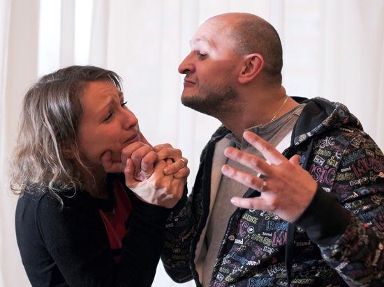 Мужьям в России никто не мешает бить жен