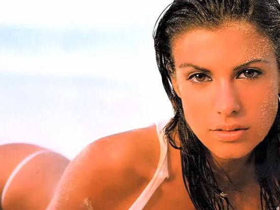 Экс-возлюбленная Джорджа Клуни вышла замуж за хирурга