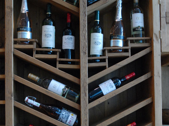 Французы уступили американцам славу любителей вина: США стали крупнейшим рынком
