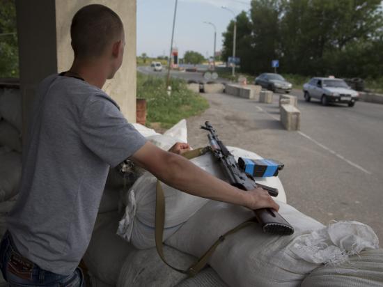 Украинские снаряды опять попали в российское село