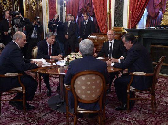 Путина попросили не наносить удар первым