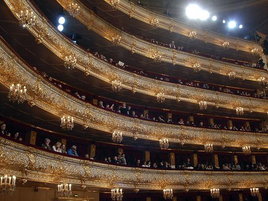 Сегодня ночью театры открыты до последнего посетителя
