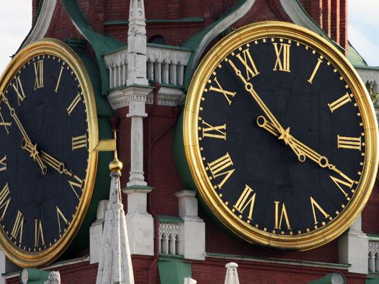 Путин подписал закон о возврате к зимнему времени