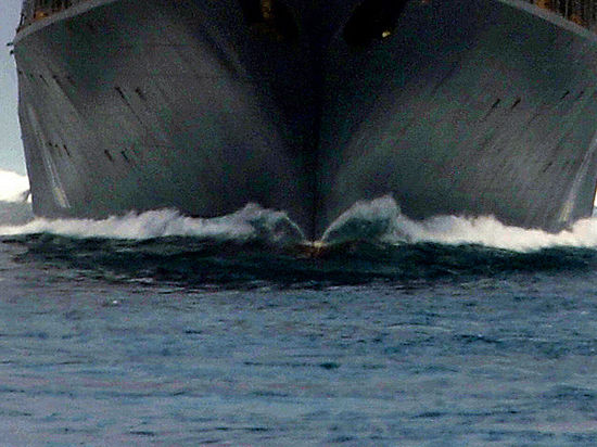 Нефть и погромы: китайцев эвакуируют из Вьетнама морем и по воздуху