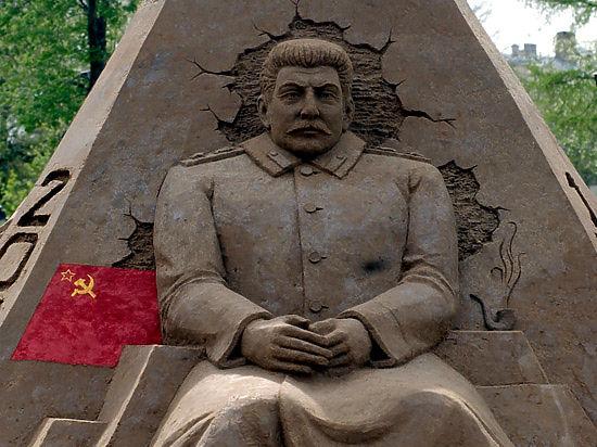 В столичном метро когда-то было более 15 скульптур Сталина