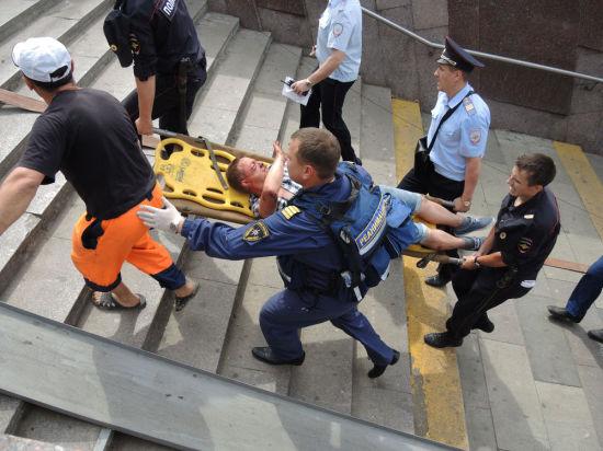 ЧП в метро: на поверхность извлечены тела пяти мужчин и двух женщин