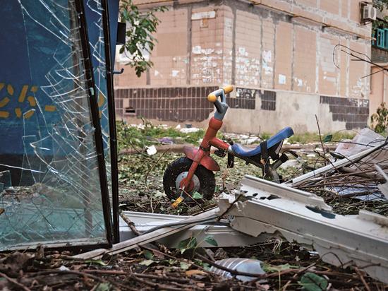 От обстрелов в Донецке погибли дворник и член семьи известных архитекторов