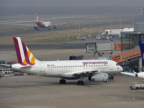 Самолет летел рейсом Барселона - Дюссельдорф.