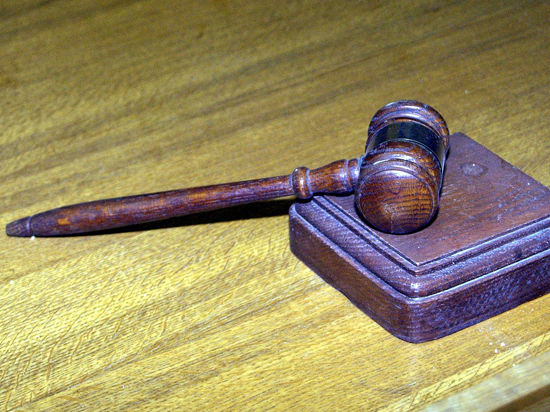 Суд разрешил семье Пошон увезти в Швейцарию тяжело больного сироту