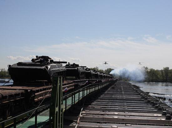 Внезапные учения совпали с паводком: военные сделали уникальный мост через Енисей