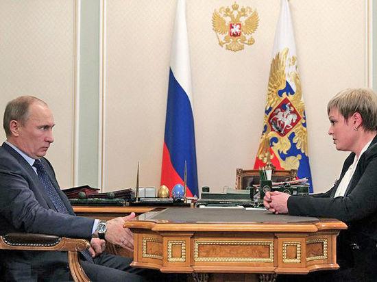 5 мая президент РФ Владимир Путин провёл рабочую встречу с губернатором Мурманской области Мариной Ковтун