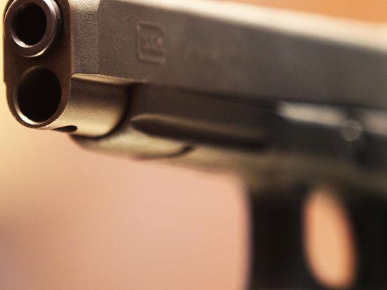 Покупатель начал стрельбу в торговом центре из-за надоедливого продавца-консультанта