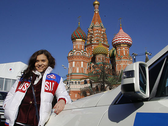 Олимпийские чемпионы Сочи Аделина Сотникова и Виктор Ан названы лучшими спортсменами года по версии журналистов