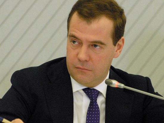 Медведев пользуется Apple, несмотря на запрет