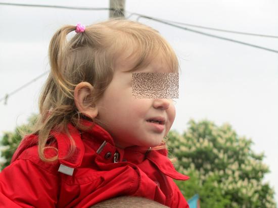 С трехлетней девочкой в Бирюлеве мог расправиться сожитель ее матери