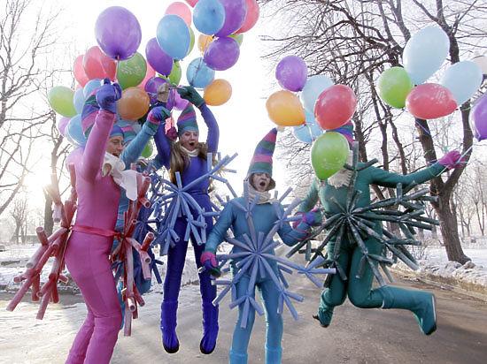 Новый год в Подмосковье: елка с запахом мандаринов и флеш-моб Дедов Морозов