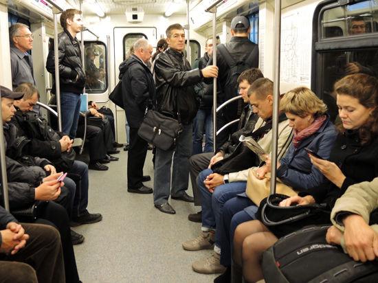 В московском метро хотят ввести обязательное сопровождение поездов полицией