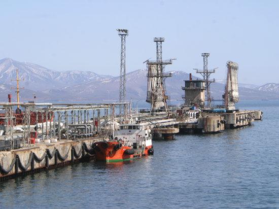 Россия продала нефть за рубли и юани