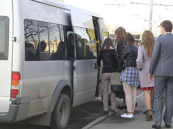 Тройное ДТП в Петербурге: при столкновении двух маршруток и автобуса пострадали 10 человек