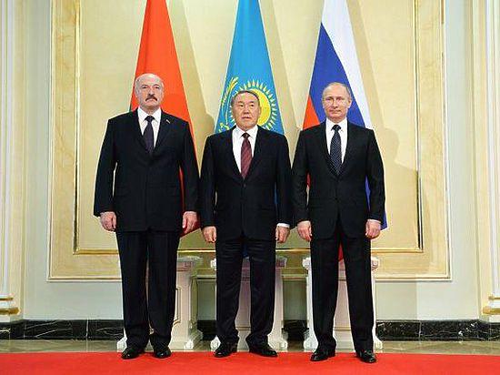 Президент России предложил Казахстану и Белоруссии слиться в валютном союзе