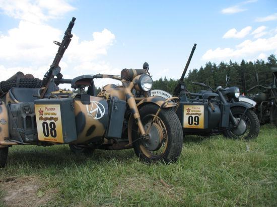 Под Ногинск стягивают танковые эвакуаторы и боевую технику времён войны