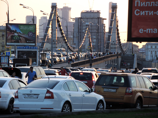 Машинам в центре предложат ездить чуть быстрее пешеходов