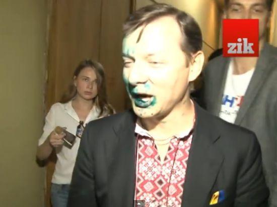 Любитель вил и крови Ляшко согласно соцопросу может победить на выборах в Раду
