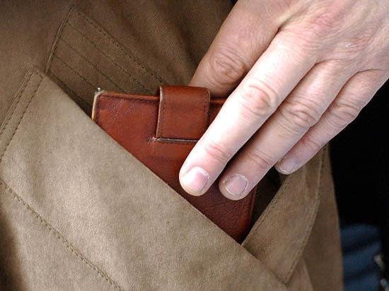 Задержанный украл кошелек у женщины-полицейского в ее же кабинете