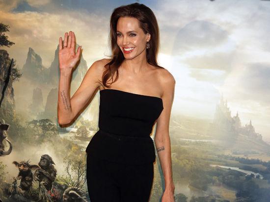 Анджелина Джоли намерена уйти из кино после