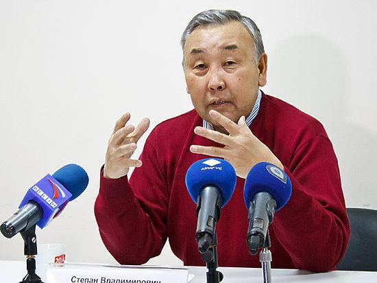 В понедельник бывший ректор БГУ Степан Калмыков провел пресс-конференцию