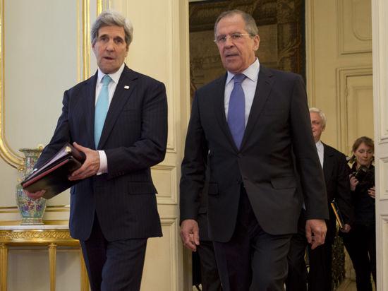 Керри не поверил словам Лаврова, потребовав остановить поток вооружения на Украину