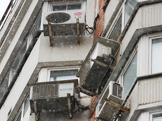 Агрегаты можно будет вешать только на дворовых фасадах, а это в некоторых случаях очень затратно