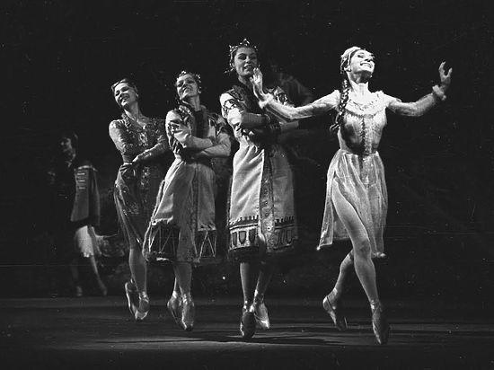Фурцева направила балетмейстеру поздравительную телеграмму, чтобы защитить его от подозрений в диссидентстве