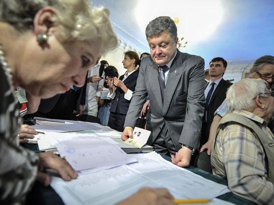 Порошенко: Украинцы отвергли федерализацию и выбрали европейский курс