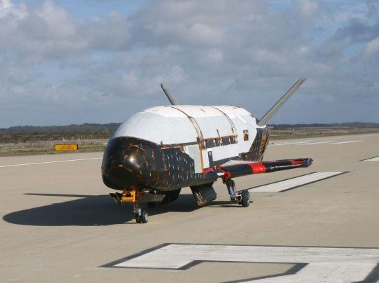 Убийца спутников: сверхсекретный американский шаттл-беспилотник X-37B вернулся из космоса